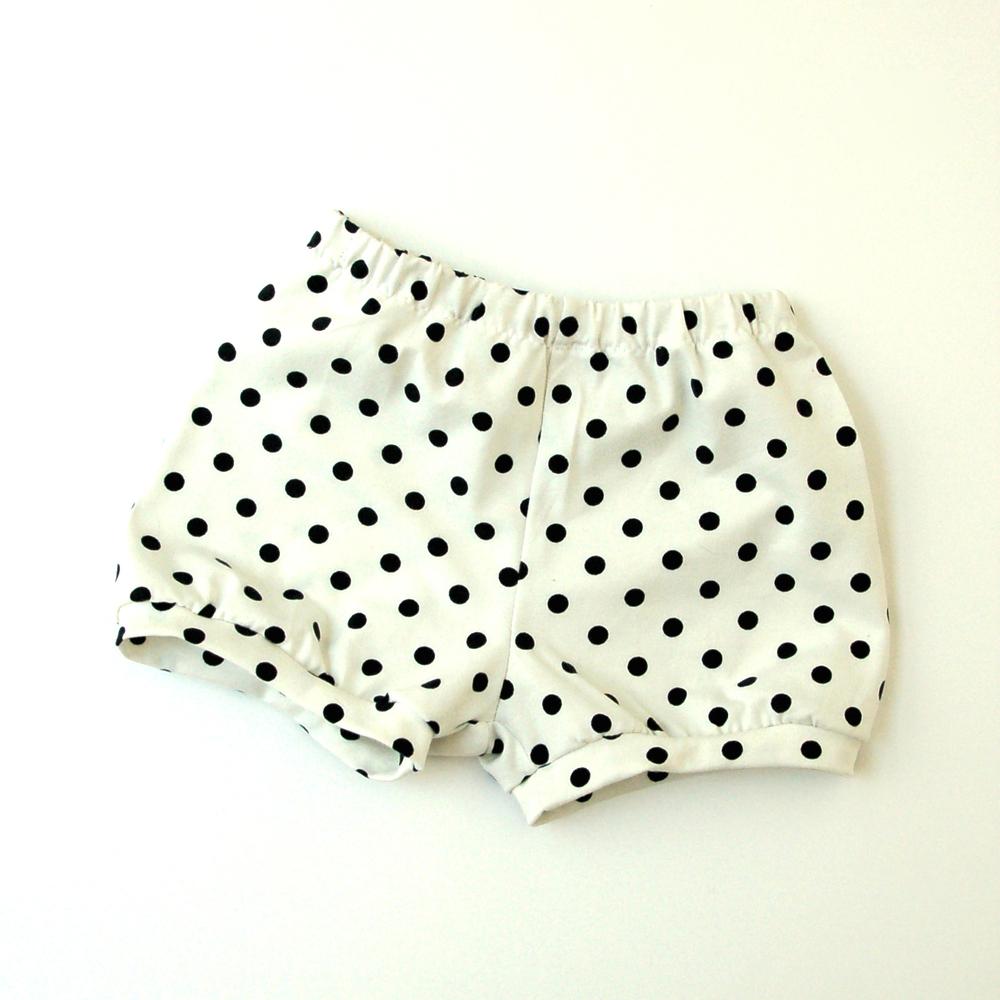 Pantalones cortos de bebé www.studiocostura.com