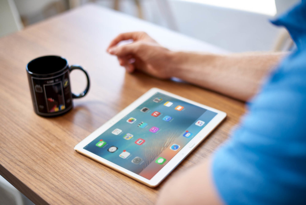 Ipad-in-cafe-Jordan-Reeder.jpg