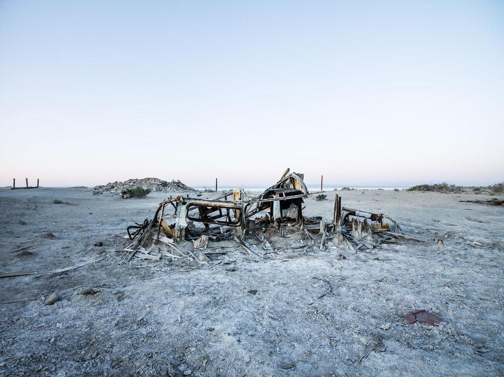 Jordan_Reeder_SS_009_Decaying-boat-Salton-Sea-Jordan-Reeder.jpg