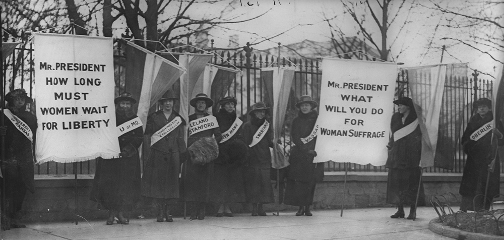 Women suffragists picketing in front of the White house. 1917. Library of Congress.