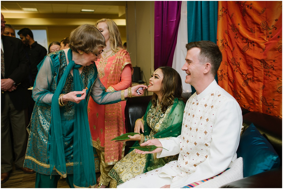 Calgary_Wedding_Photography_Mehndi_Ceremony_2017_Blog_0009.jpg