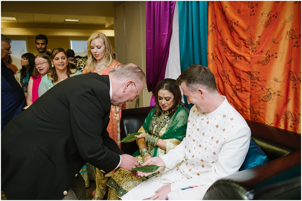 Calgary_Wedding_Photography_Mehndi_Ceremony_2017_Blog_0010.jpg