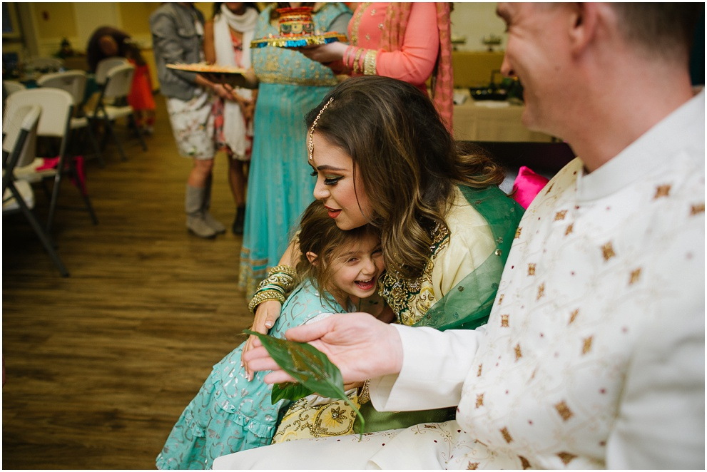 Calgary_Wedding_Photography_Mehndi_Ceremony_2017_Blog_0014.jpg