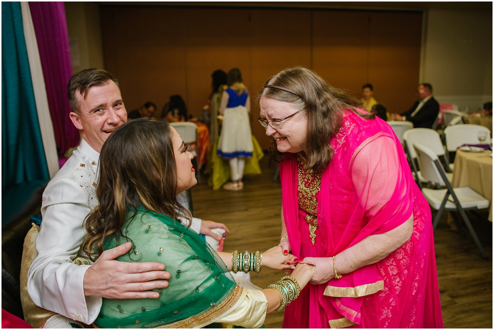 Calgary_Wedding_Photography_Mehndi_Ceremony_2017_Blog_0015.jpg