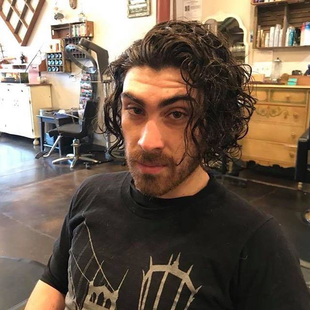 Alright. Enough hiatus. Here's one from miss @beckaliah A nice little makeover from winter to spring. #pdx #portlandia #pdxsalon #pdxhair #pdxstyle #curlyhair #man #male #long #short #salonlife #sunny #tshirt #scruff #tt