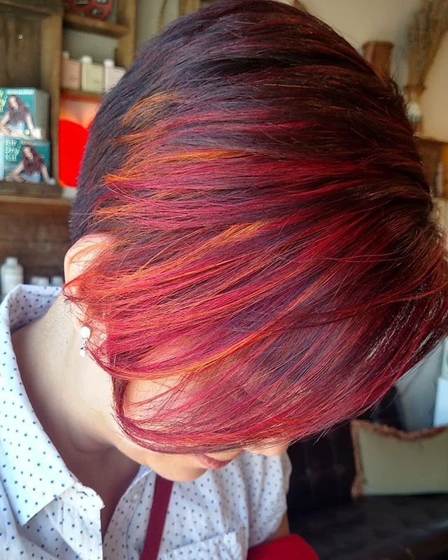 Alll the #fire in this #vividhair #color #short #sassy #dimensionalhair #makeithappen #pdx #pdxhair #pdxhairstylist #pdxsalon #westcoast#salonlife #wedohair #loveyourhair #loveyourself #fancy #🚨#Red #orange #joico