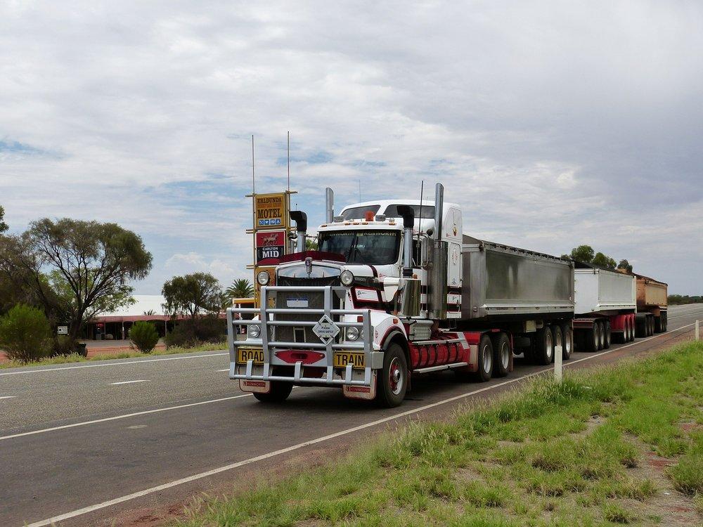 semi-trailers-534575_1920.jpg