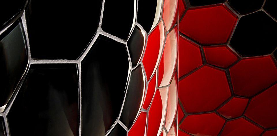hexcube_black_red_bigs_001.jpg