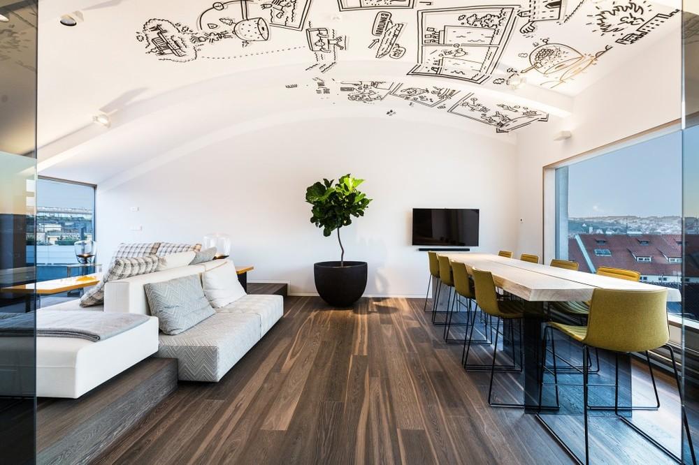 Landhausdiele-Elevation-Eiche-Formentera-Architekt_JAKUB-CIGLER-ARCHITEKTI-a.s-1024x682.jpg