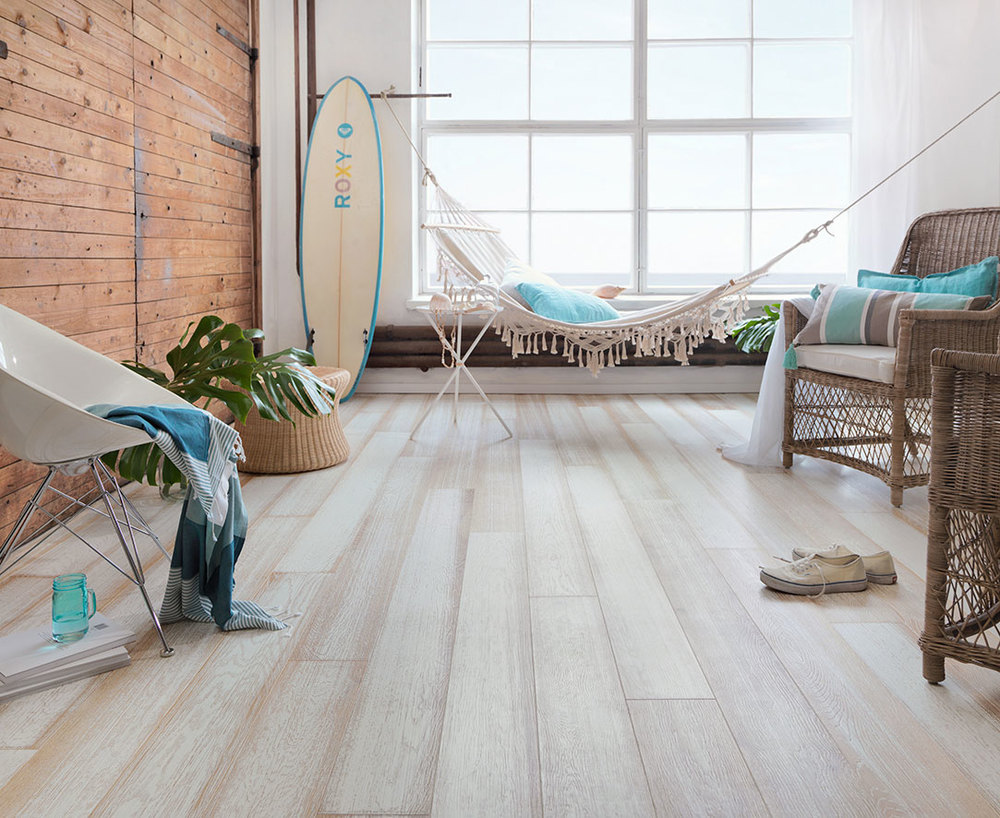 Oak_Beach-House_WHITE_brushed_matt-lacquered_Surf-board_web.jpg