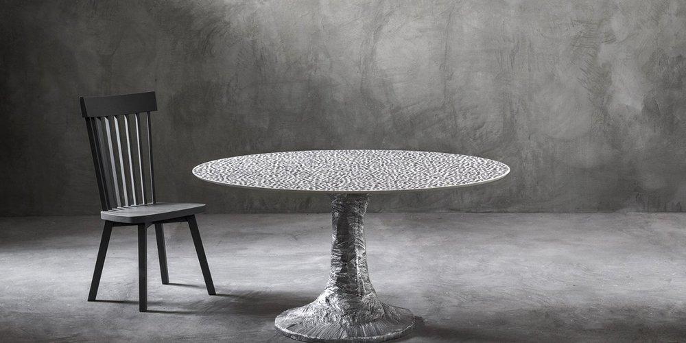 Коллекция Next 2016 года. Стол из литого полированного алюминия.jpg