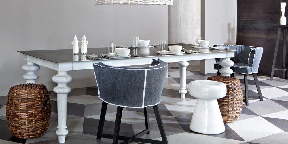 Стол из коллекции Grey. Ноги каррарский белый мрамор. Столешница натуральный лакированный американский орех.jpg