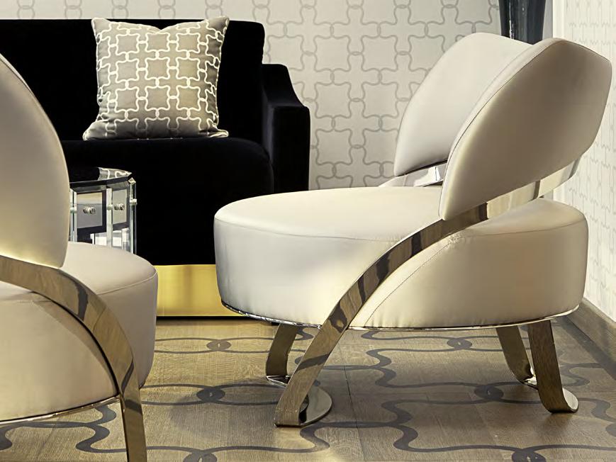 Кожанное кресло Gotham с металлическими ножками в отделке дымчатого зеркала.jpg