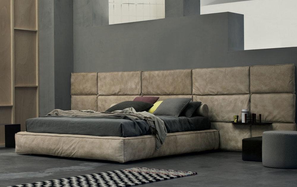 2_Кровать с кожанной панелью Boiserie Marlene Gen Twils il Tempo Киев.jpg