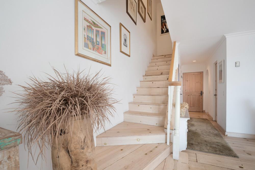 009_stairs.jpg
