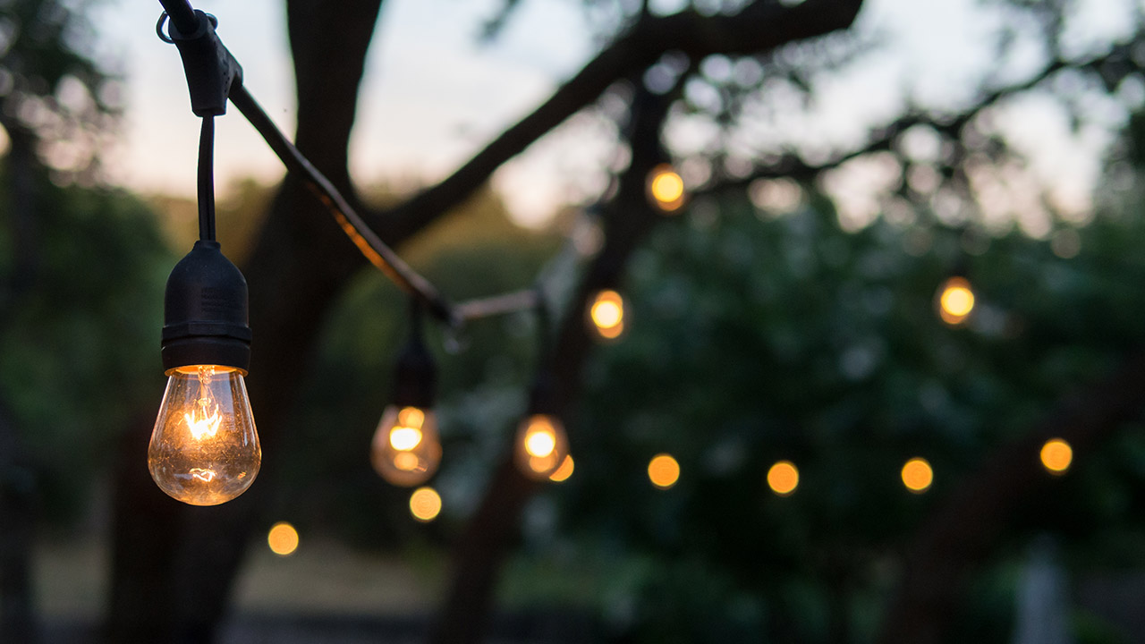 14 Lighting Ideas for the Perfectly Bright Backyard - 14 Lighting Ideas For The Perfectly Bright Backyard — The Malibu Life