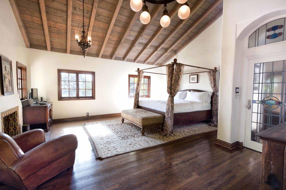 007 master bedroom 1750 North Crescent Heights Boulevard Los Angeles Malibu For Sale The Malibu Life Team Luxury Real Estate.jpg