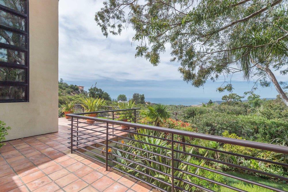 011 deck 1 214 Loma Metisse Malibu For Sale The Malibu Life Team Luxury Real Estate.jpg