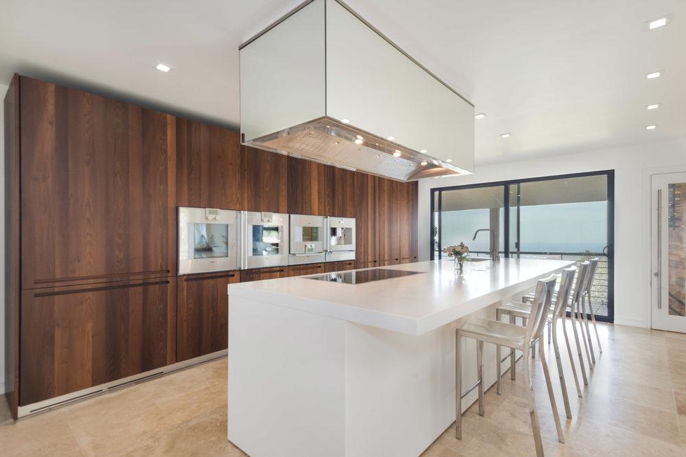 015 kitchen 5 214 Loma Metisse Malibu For Sale The Malibu Life Team Luxury Real Estate.jpg