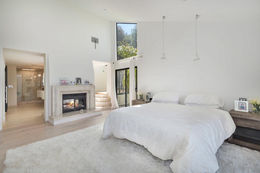 017 master bedroom 5 214 Loma Metisse Malibu For Sale The Malibu Life Team Luxury Real Estate.jpg
