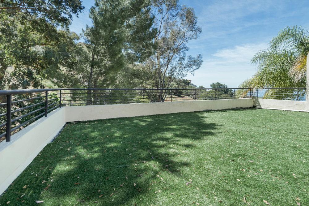 020 master deck 1 214 Loma Metisse Malibu For Sale The Malibu Life Team Luxury Real Estate.jpg