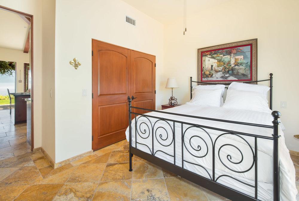 019 Guest Bedroom.jpg