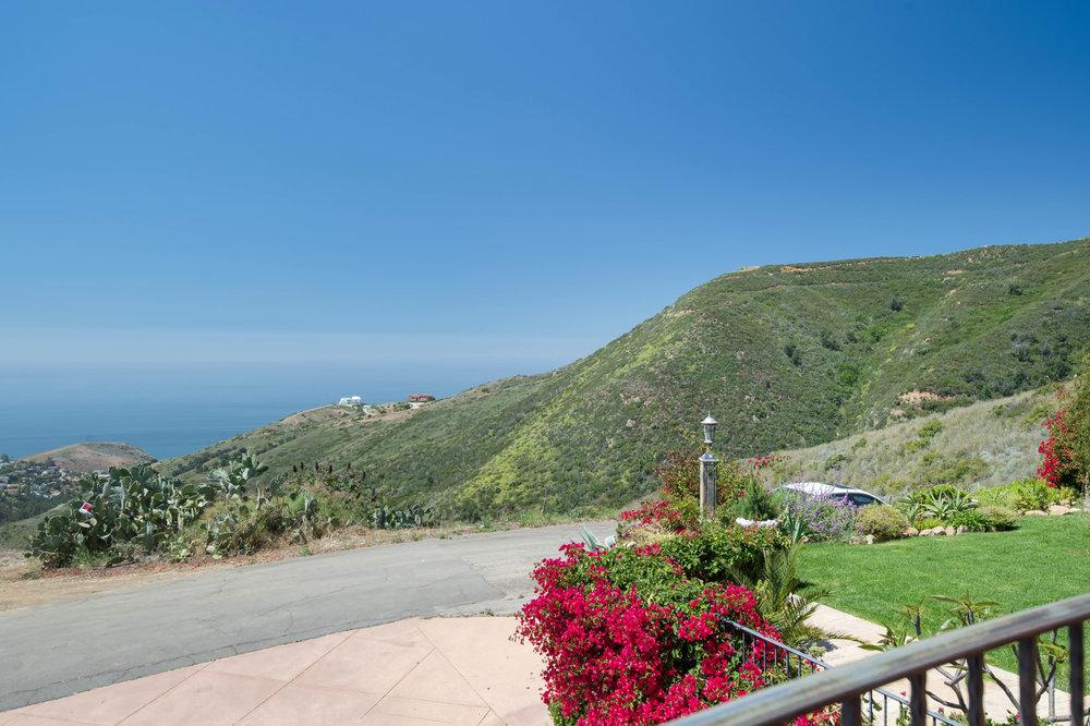 031 Ocean View 26303 Lockwood Road Malibu For Sale Lease The Malibu Life Team Luxury Real Estate.jpg