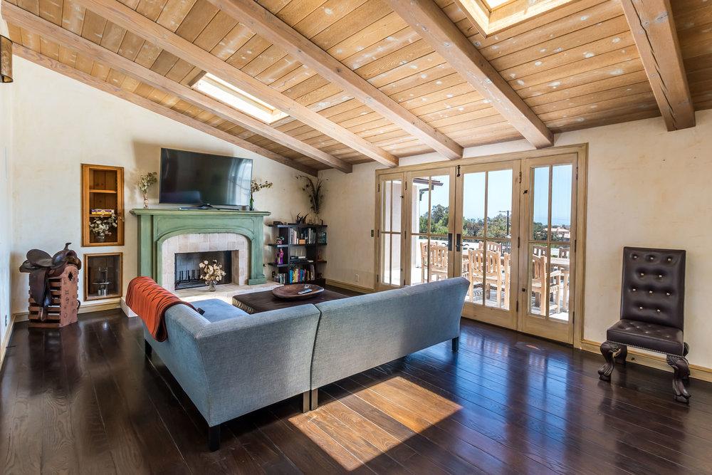 005.3 Living Room -5957 Cavalleri Rd Rustic Ranch.jpg