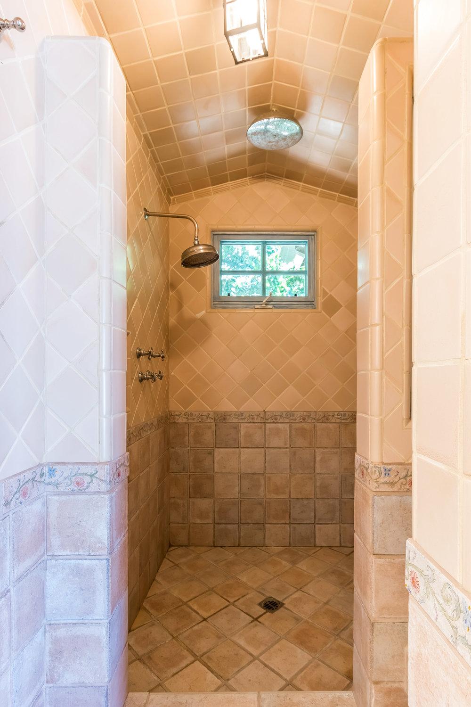 005.7 Master Bath -5957 Cavalleri Rd Rustic Ranch.jpg