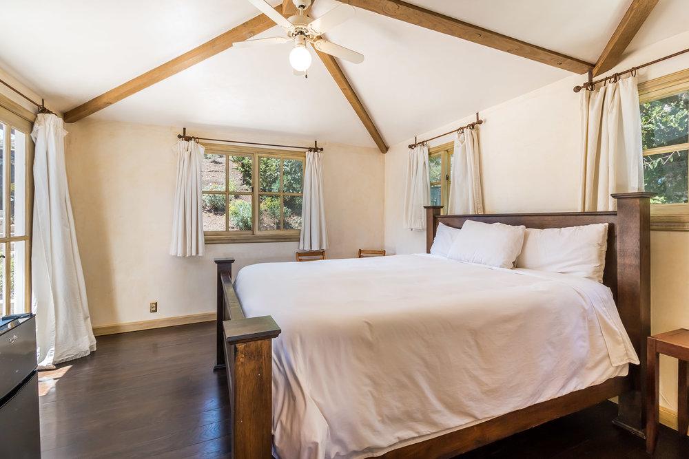 005.8 Guest Bedroom .jpg