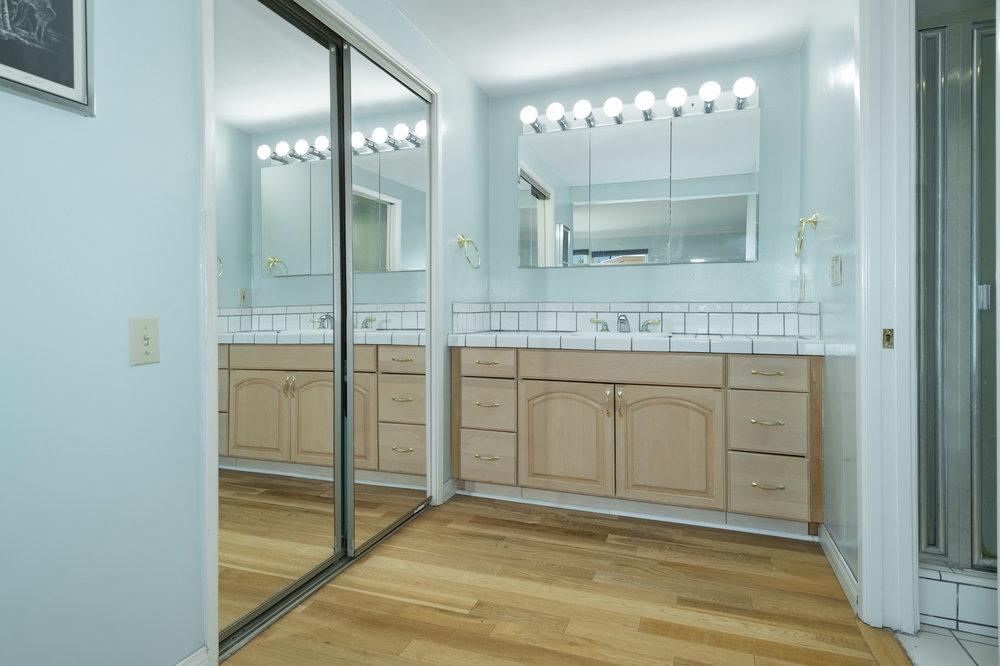014 Master Bathroom 15072 Rayneta Sherman Oaks For Sale The Malibu Life Team Luxury Real Estate.jpg