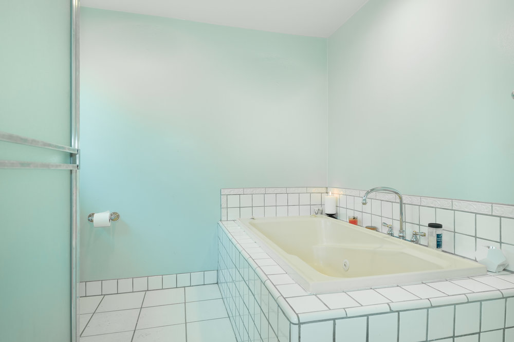 015 Master Bathroom 15072 Rayneta Sherman Oaks For Sale The Malibu Life Team Luxury Real Estate.jpg