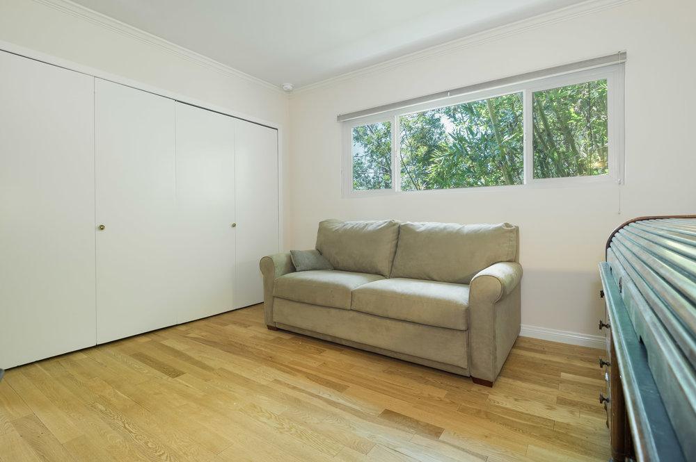 017 Office 15072 Rayneta Sherman Oaks For Sale The Malibu Life Team Luxury Real Estate.jpg