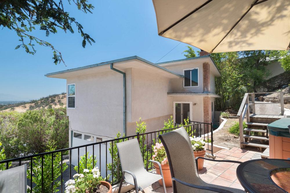 018 Yard 15072 Rayneta Sherman Oaks For Sale The Malibu Life Team Luxury Real Estate.jpg