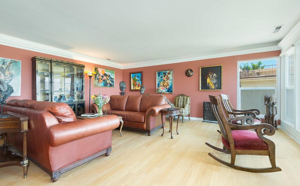 021 Living Room 15072 Rayneta Sherman Oaks For Sale The Malibu Life Team Luxury Real Estate.jpg