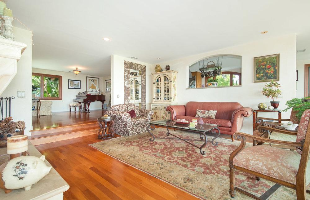 011 living room 29660 Harvester Road Malibu For Sale The Malibu Life Team Luxury Real Estate.jpg