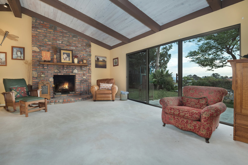 025 guest house 29660 Harvester Road Malibu For Sale The Malibu Life Team Luxury Real Estate.jpg