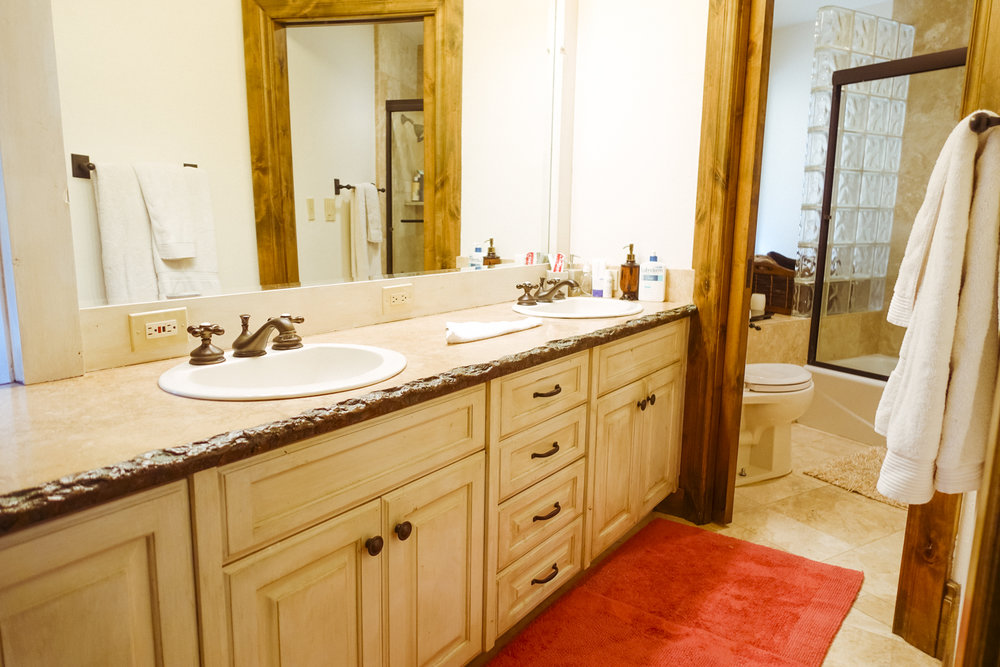 007 MASTER BATHROOM 1.jpg