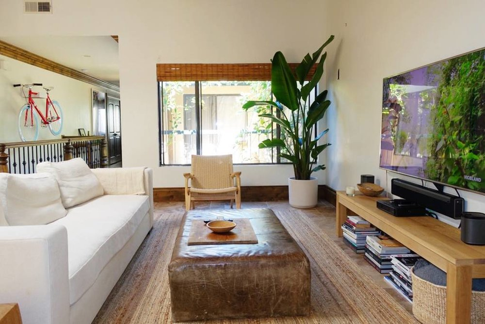 004 LIVING ROOM 1.jpg