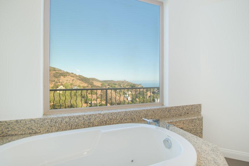 008 bathroom 27126 Carrita Road Malibu For Sale Lease The Malibu Life Team Luxury Real Estate.jpg