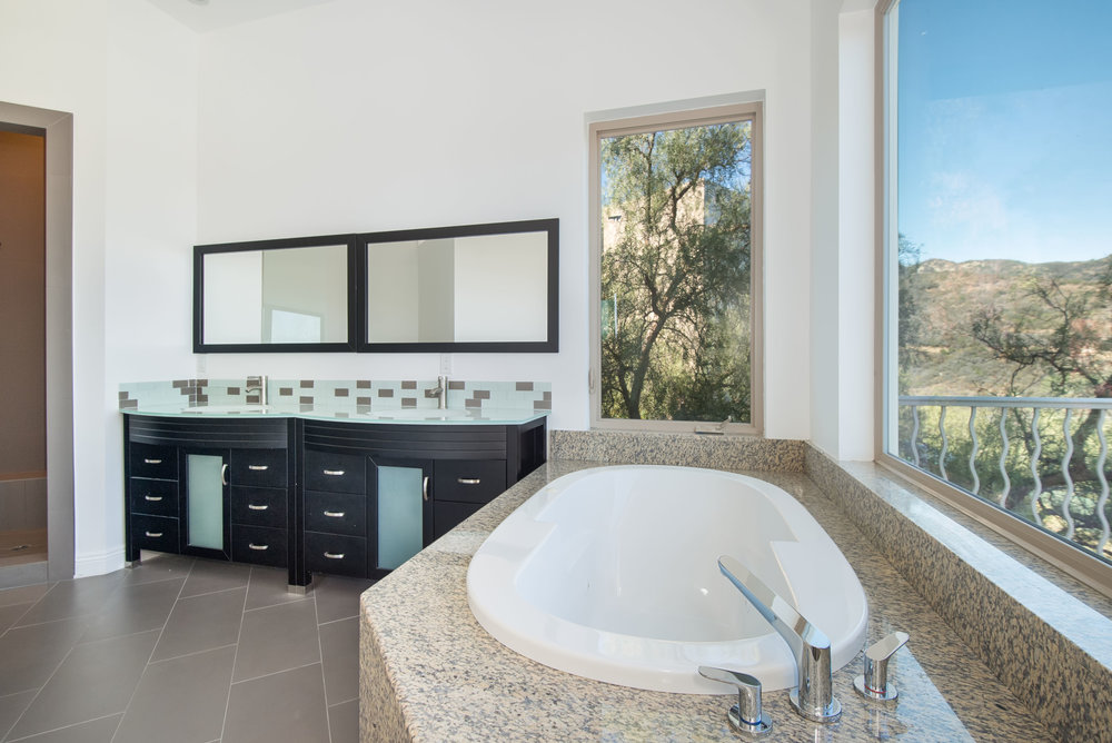 009 bathroom 27126 Carrita Road Malibu For Sale Lease The Malibu Life Team Luxury Real Estate.jpg