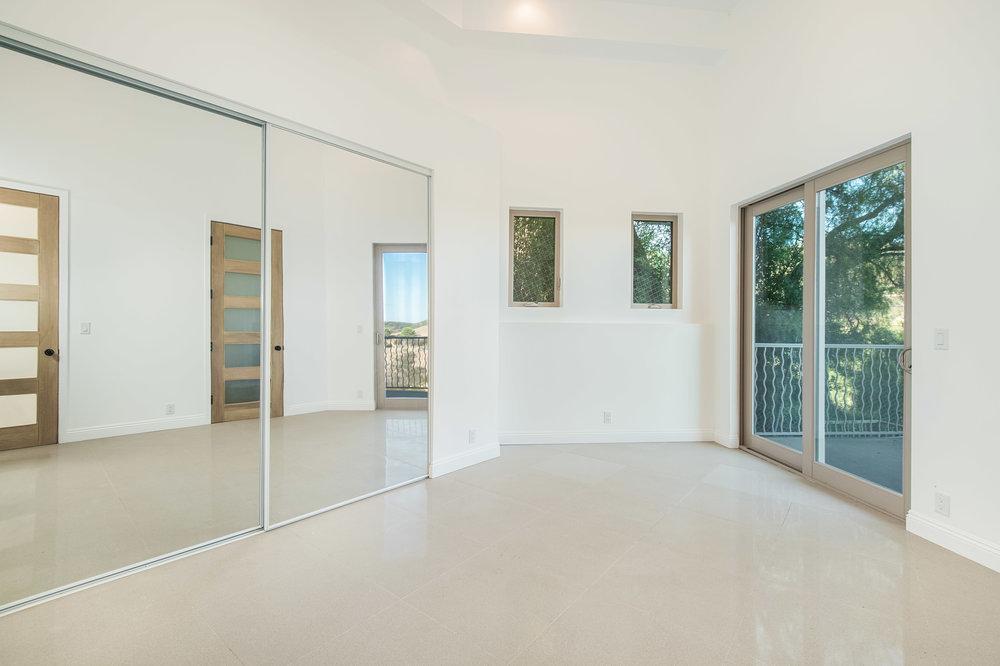 010 bedroom 27126 Carrita Road Malibu For Sale Lease The Malibu Life Team Luxury Real Estate.jpg