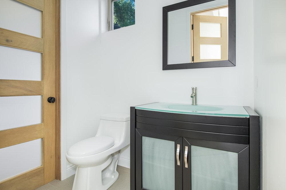 012 bathroom 27126 Carrita Road Malibu For Sale Lease The Malibu Life Team Luxury Real Estate.jpg
