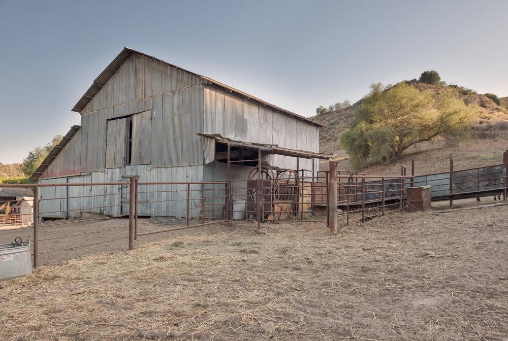 006 barn 2317 Malibu For Sale Lease The Malibu Life Team Luxury Real Estate.jpg