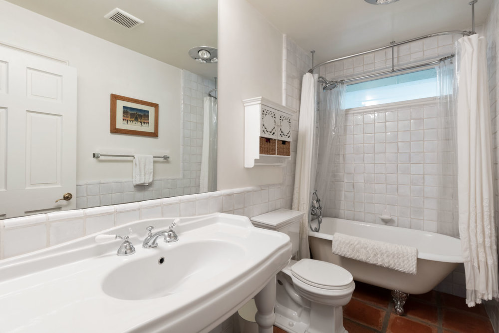 025 Bathroom 1712 Manzanita Park Avenue Malibu For Sale Lease The Malibu Life Team Luxury Real Estate.jpg