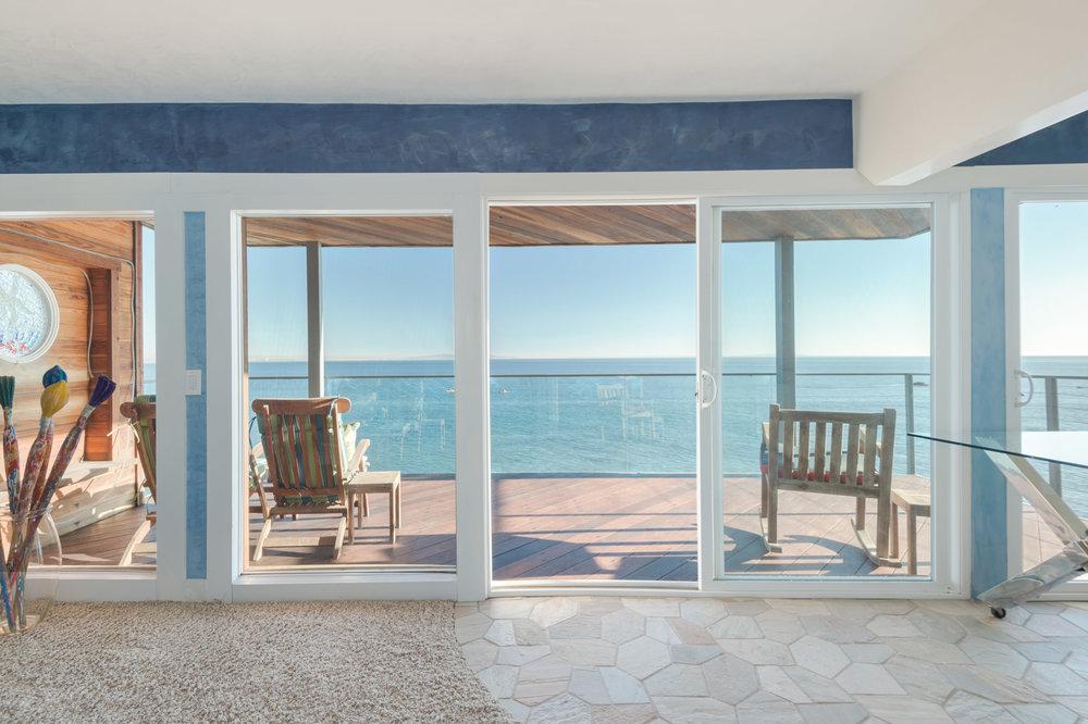 011 Living Room 19820 Pacific Coast Highway Malibu For Sale Lease The Malibu Life Team Luxury Real Estate.jpg