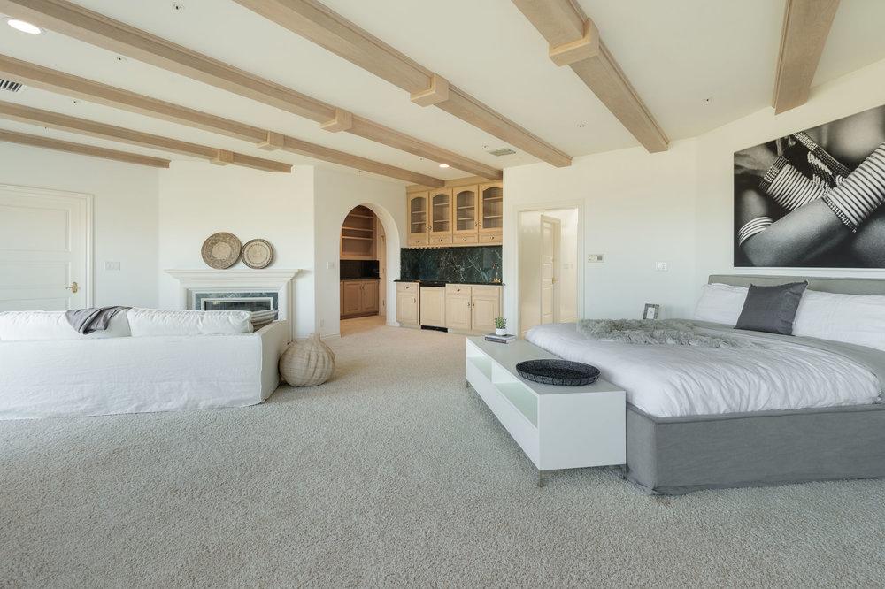 014.5 Master Bedroom 7052 Dume Drive For Sale Lease The Malibu Life Team Luxury Real Estate.jpg