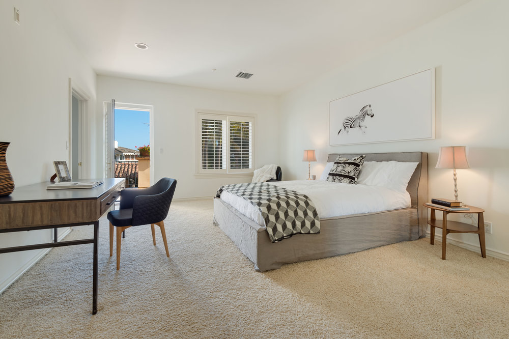 016 Bedroom 7052 Dume Drive For Sale Lease The Malibu Life Team Luxury Real Estate.jpg
