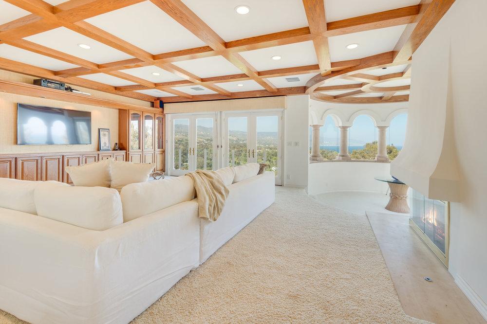 024 Living Room 7052 Dume Drive For Sale Lease The Malibu Life Team Luxury Real Estate.jpg