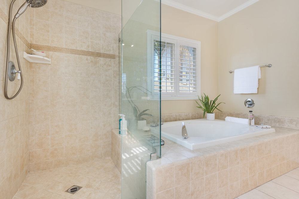 009 Master Bathroom 5653 Alix Court Redondo Beach For Sale Lease The Malibu Life Team Luxury Real Estate.jpg